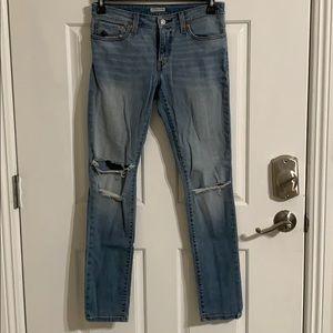 Women's boyfriend skinny Levis jeans
